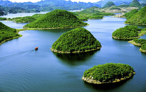 人与自然生命共同体,河湖生态保护与水污染防护